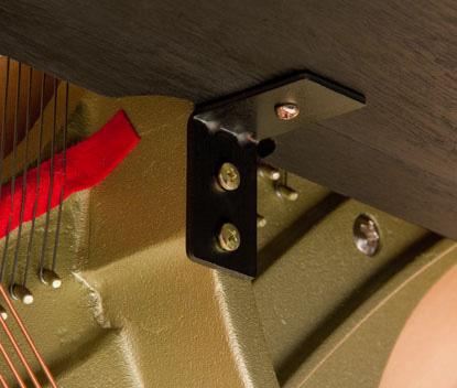 Bệ đỡ phím (keybed) và thanh nối (braces)