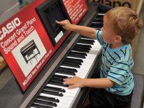 Mua đàn piano điện cho bé cần chú ý những gì?