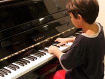 Chọn mua đàn piano cho trẻ em dưới 10 tuổi