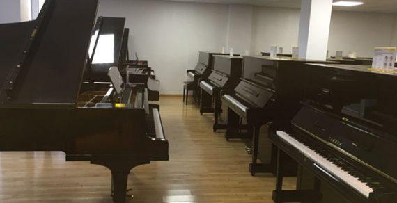 Việt Thanh Music có đàn piano cơ Grand và Upright