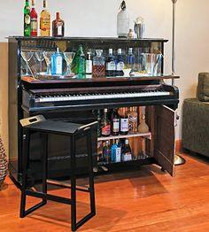 Làm quầy bar thu nhỏ trong nhà bếp bằng đàn Piano cũ