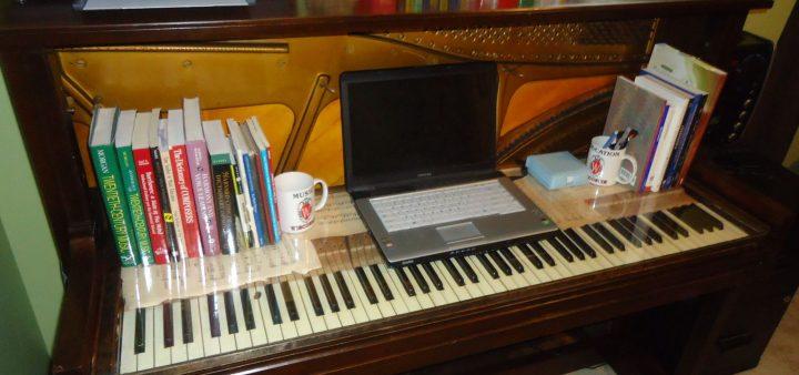 Bàn học từ đàn Piano cũ