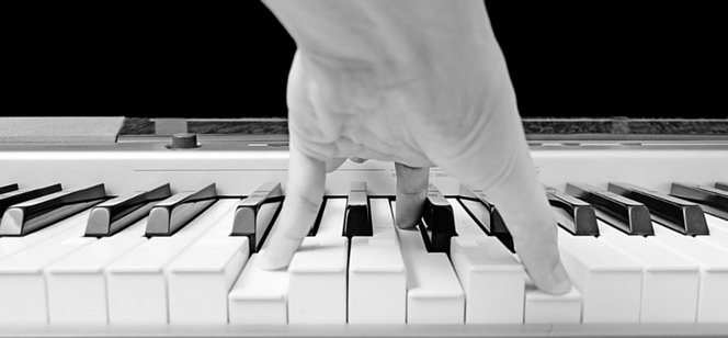 Học đàn piano chỉ tiến bộ nhanh khi bạn thực sự chăm chỉ