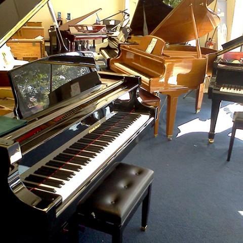 Có nên mua đàn piano cũ không