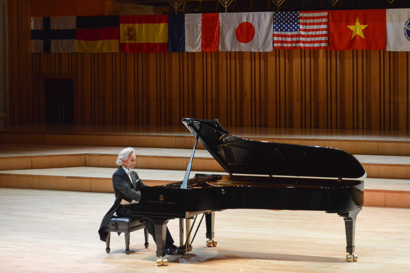 đàn piano choi