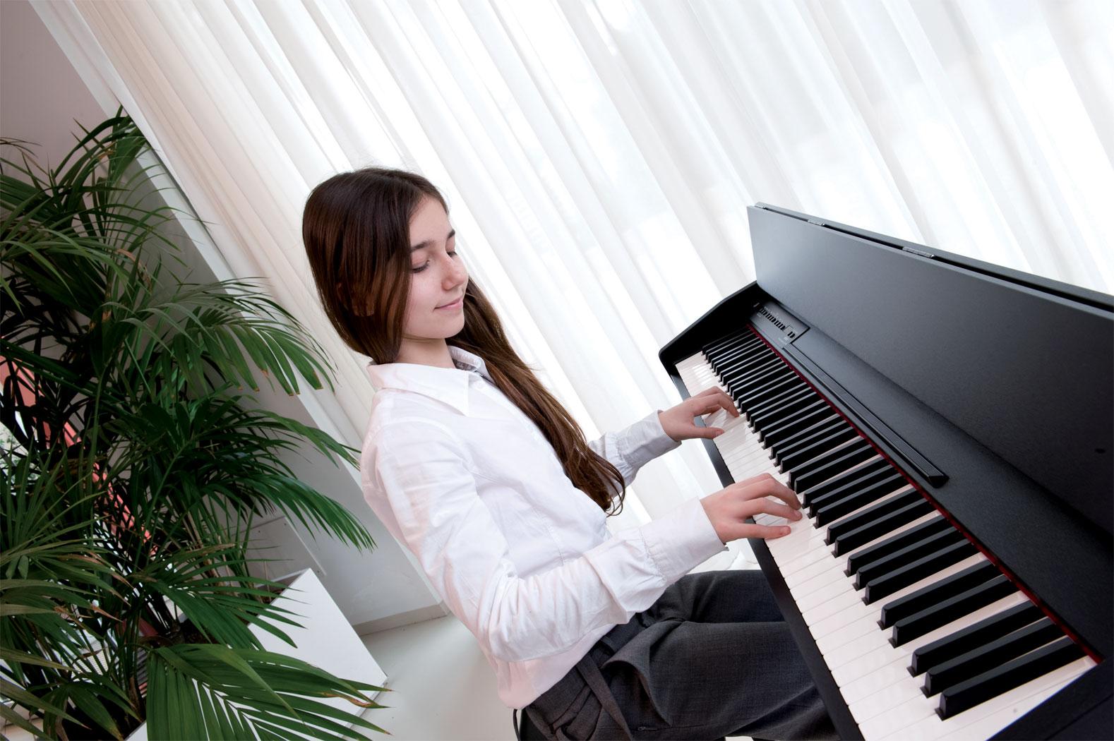 hoc choi piano